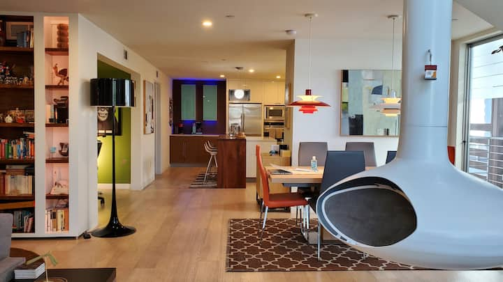 Architectural Loft nested in WEHO, LA and BHills