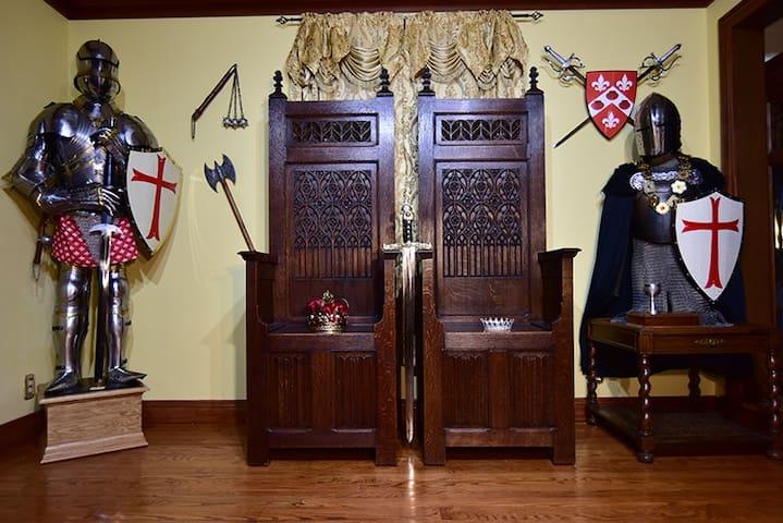 Camelot Bed & Breakfast, Merlin's room