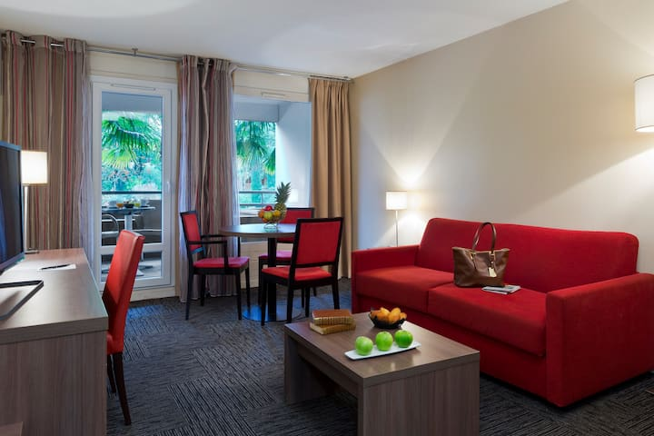 Appartement une chambre vue Parc - Proche Genève