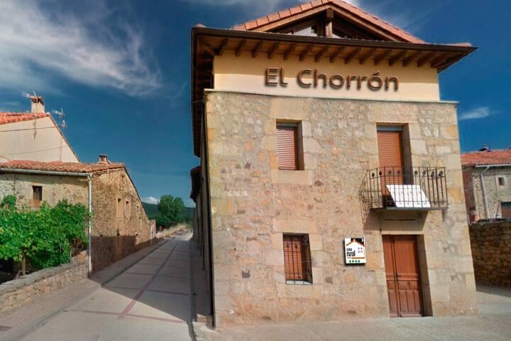 8 plazas. 4 habitaciones, El Chorrón, en el Royo.