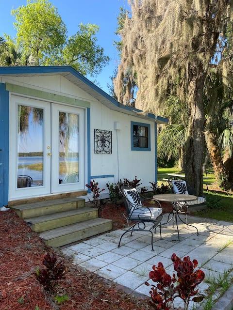 Lakefront Studio in Hernando, FL