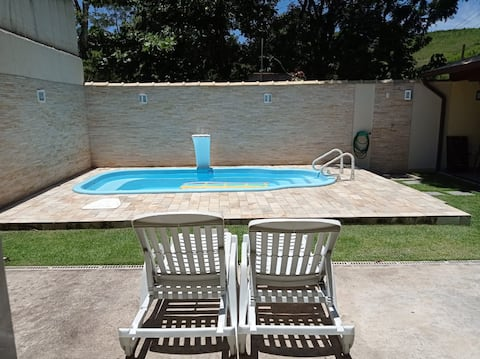House in Santanesia/Piraí- swimming pool and barbecue.