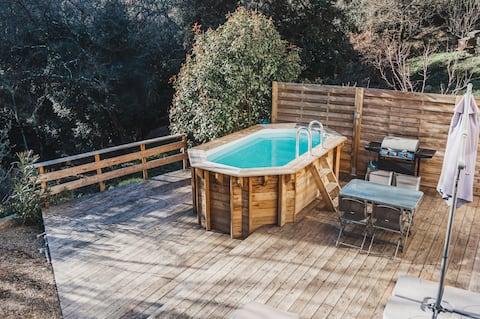 配有私人陽臺和泳池的Cocooning小屋