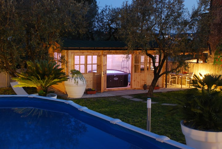 Le Cerbaie:casa con piscina+ idromassaggio-P.Terra