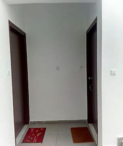 apartment entrance (right door)