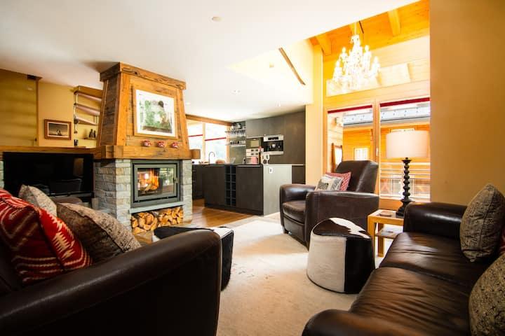 Jessica Sechs: Luxury 5* Duplex Apartment