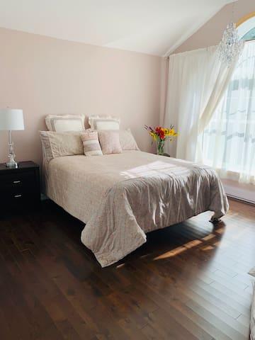 One bedroom Luxury-Modern House in New Ross