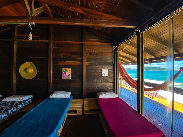 CASA FRENTE AO MAR - Lounge Compartilhado- FUN