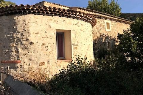 Petite Tour de Pierrefeu - Gite with 2 bedrooms