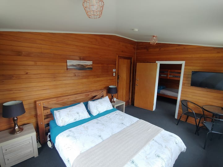 Family Cabin in Waiau