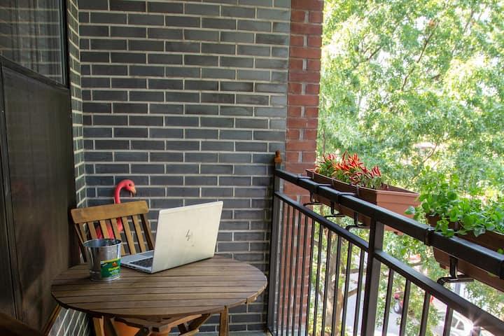Bright, brand-new designer condo with balcony