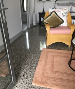 Wide entrance with polished concrete floors