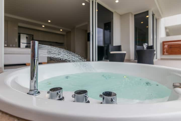 Martinique/Las Americas PVT Jacuzzi by N.G. 807