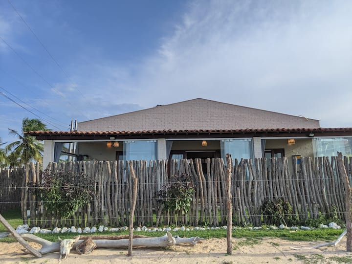 Beachfront Chalet in Praia do Maceió