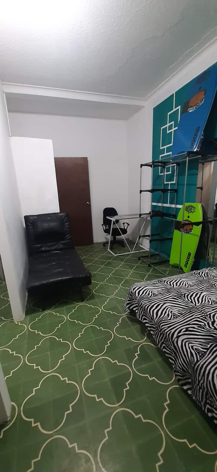 Small Loft Airport Free Guatemala City