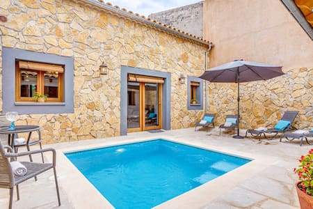 SON TRAST - Casa con piscina y barbacoa para 4
