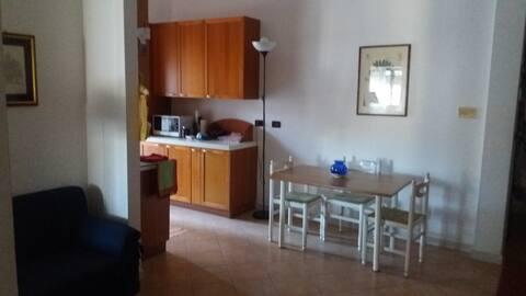 Comodo e grazioso appartamentino in città