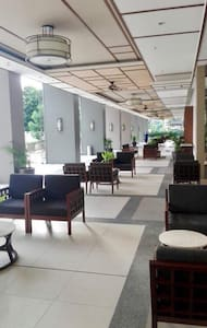 Open lounges at the ground floor