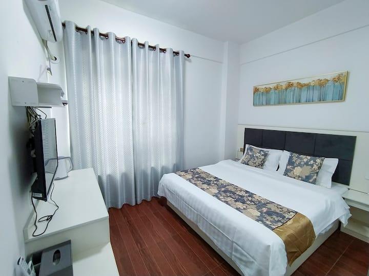 珠海机场舒适大床房《逸家公寓》电梯房   免费接送  航展馆、金沙滩、301