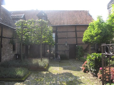 Boerderij met tuin(huis) in Limburgs Heuvelland.