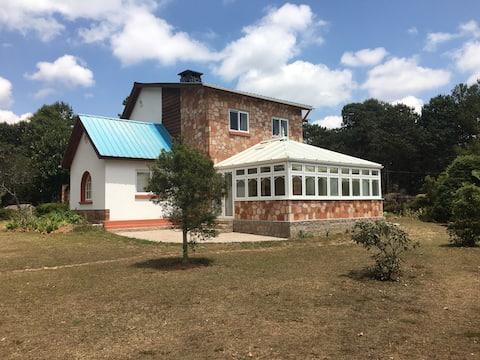 Sedera, Casa con bosque junto al lago Mantasoa