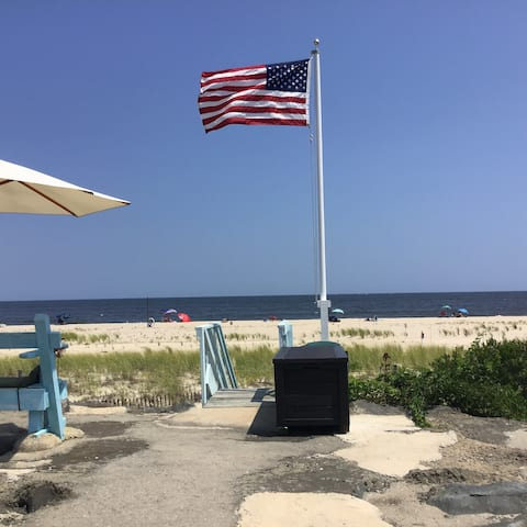 Quiet Oceanfront Studio Apartment - Sea Bright, NJ