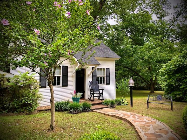 1861 Belle Cottage - nr. Serenbe & Chatthills, GA