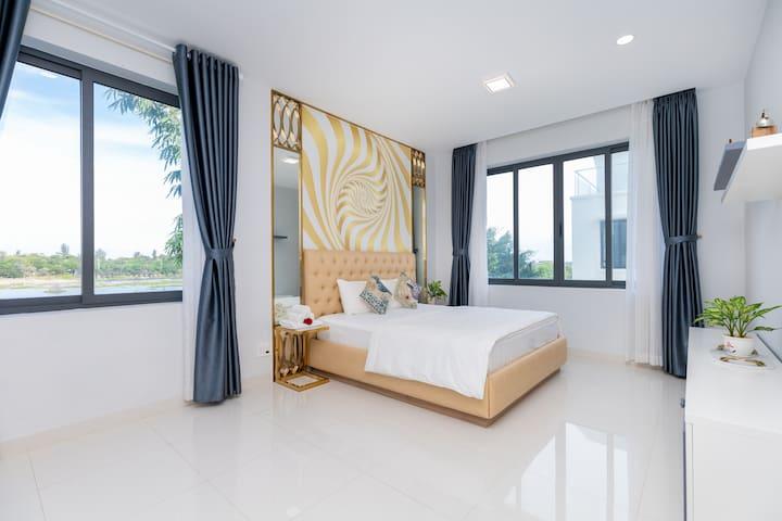 Royal bedroom view