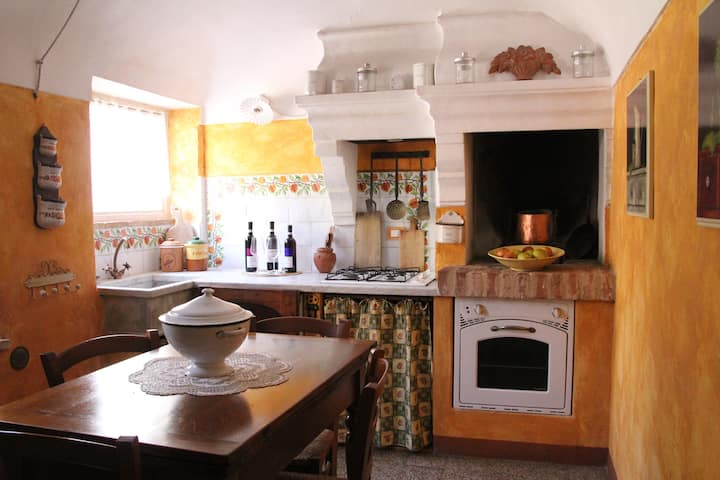 """Family penthouse """"Melograno"""" in relaxing village"""