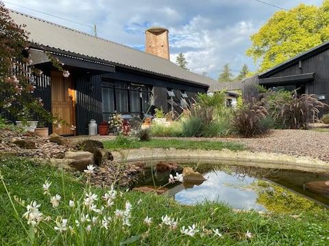 CROFTERS LOFT Spacious, Stylish and Unique Cottage