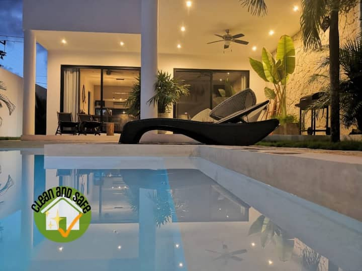 """MODERN-RELAXING HOME """"PRIVATE POOL W/CHILDREN AREA"""