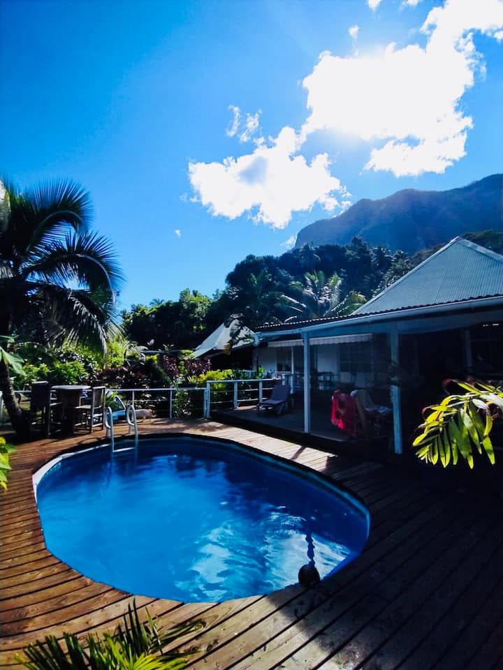 paradise retreat Moorea