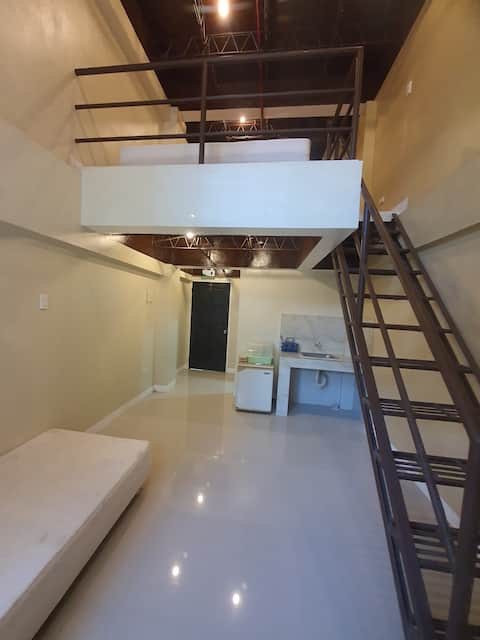Loft Type Condominium Unit w/ WiFi & TV Netflix Iz