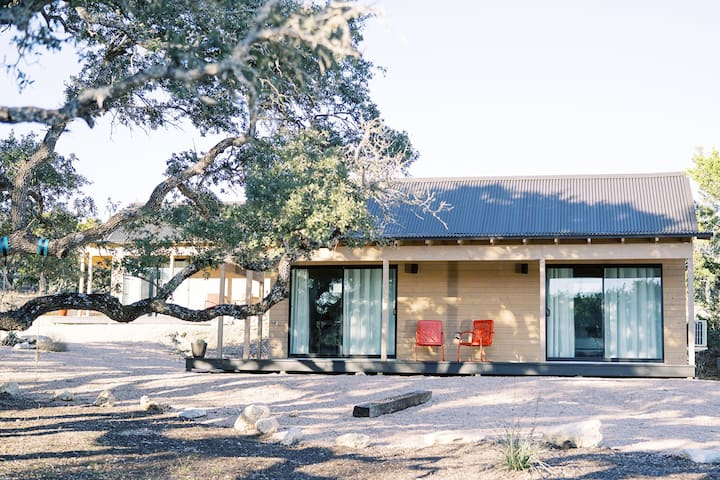 Dripping Springs - Porch House+Pool+Hiking+Winery