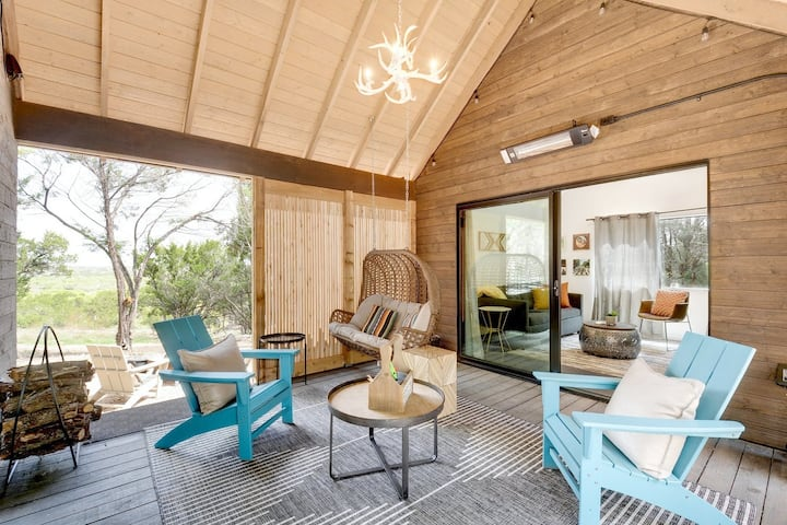 Dripping Springs -Breezeway Cabin+HotTub+Pool+View
