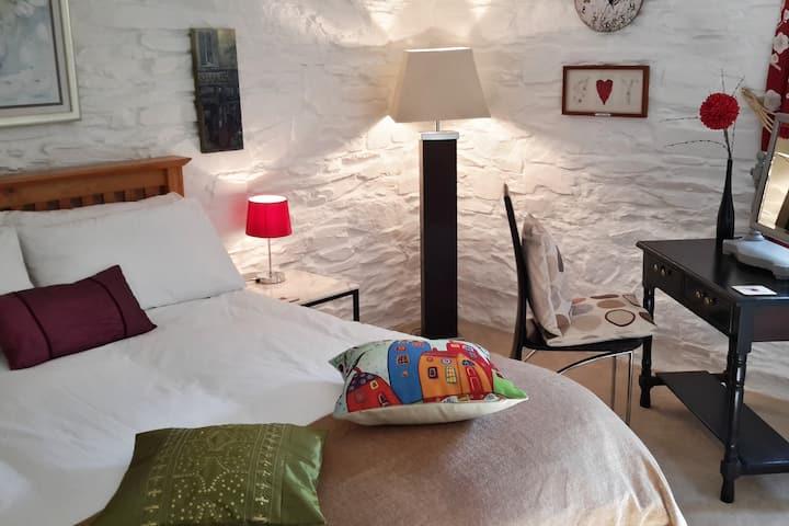Treninny Lodge, Peaceful and Beautiful.