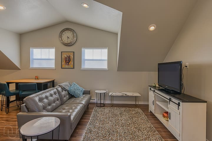 Brand New Carriage House 30+ day minimum