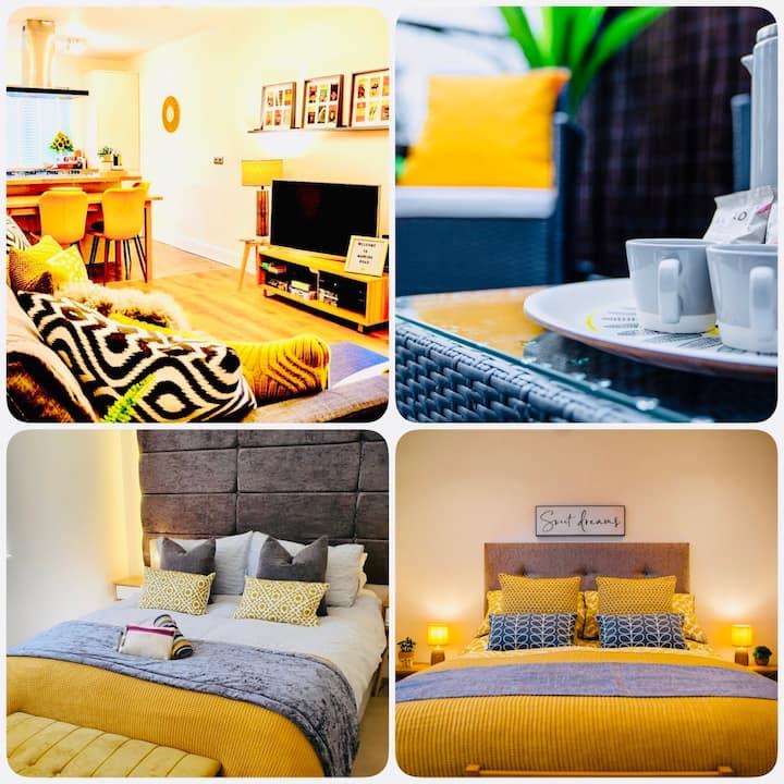 The Duplex Margate + FREE Breakfast/Mini bar/Deck