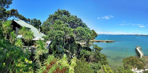 Kawau Island Treehouse
