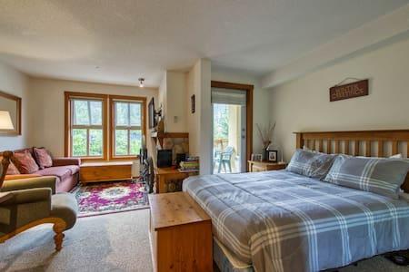Sundance Studio in Fireside Lodge