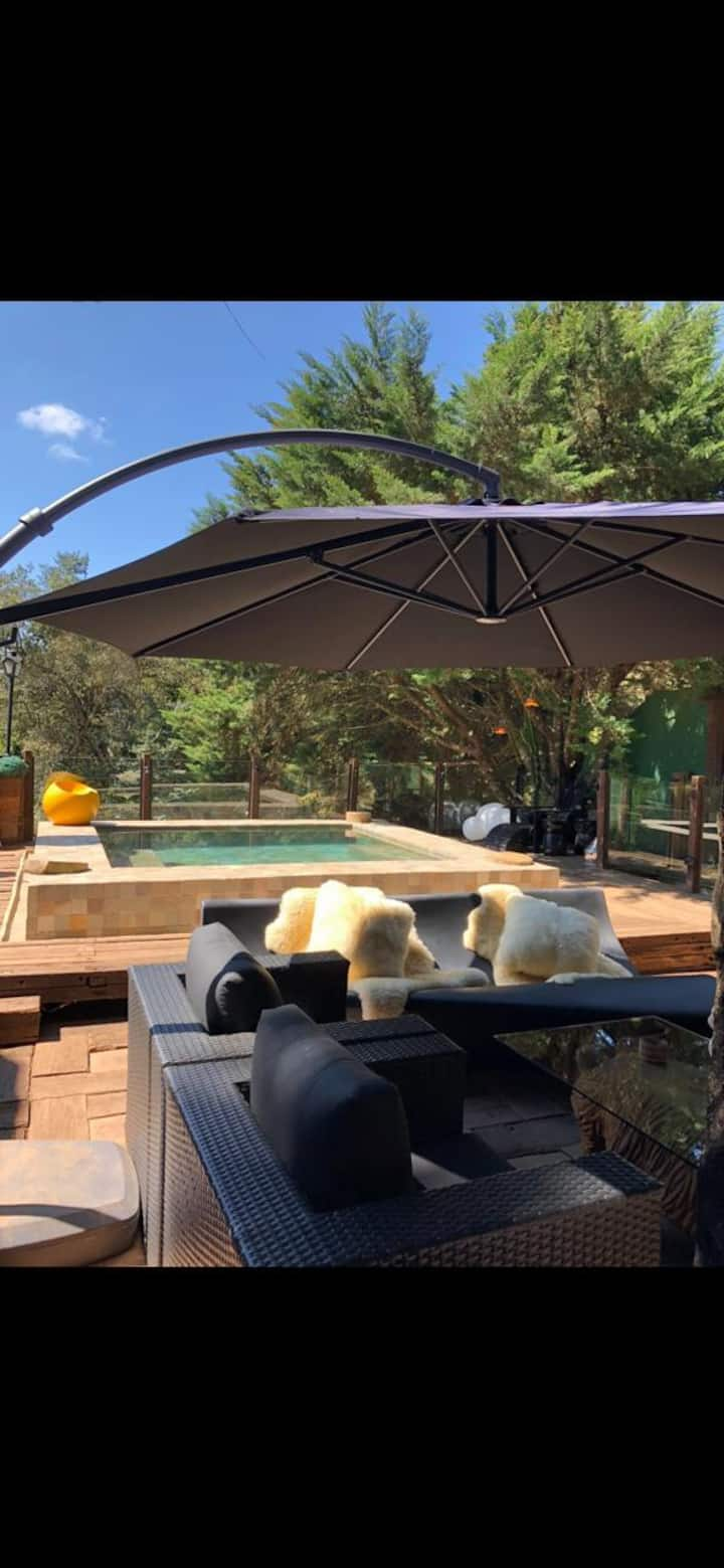 Chalét Villa -Jacuzzi-Sauna-Lareira-Privativo