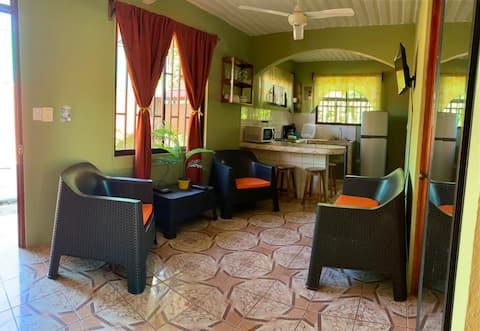 Apartamento a 5 minutos de playa Manuel Antonio!