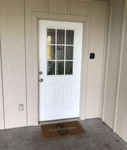 Entry way with standard threshold.