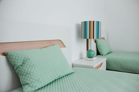 2 bedroom apartment R/C, Consolation, Peniche