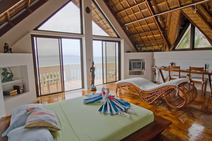 Tropicana Ocean Villas (Grand Villa Espada)