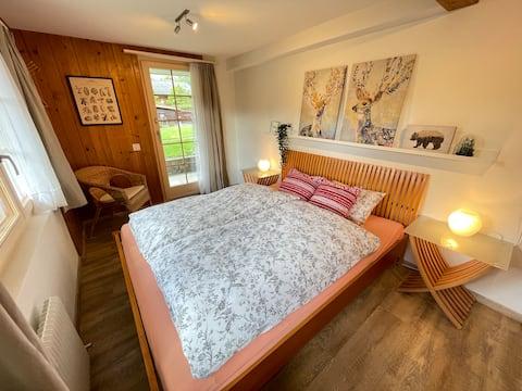 Cameră privată pentru oaspeți cu terasă