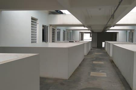 6 feet wide corridor