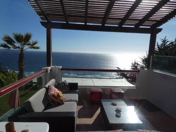 Marbella, Condominio Olas, depto. en 1ra linea