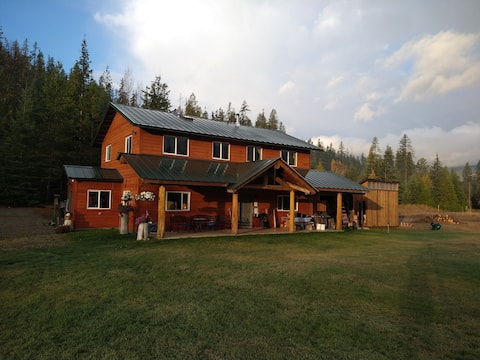 The Trinity House | Secluded 50 Acres | Mtn Views!