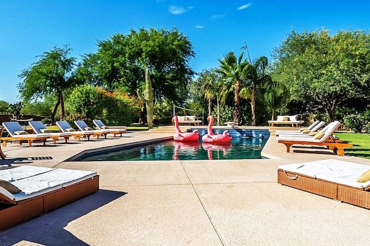 BlueSky Oasis.  Heated Pool LUXURY MANSION